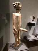 Statue masculine (Artiste sakalava, Madagascar, début du XXe s.)