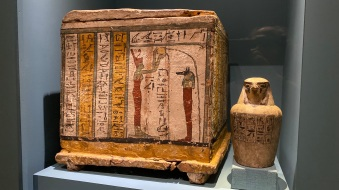 Canopic box of Nesaarud & dummy canopic jar